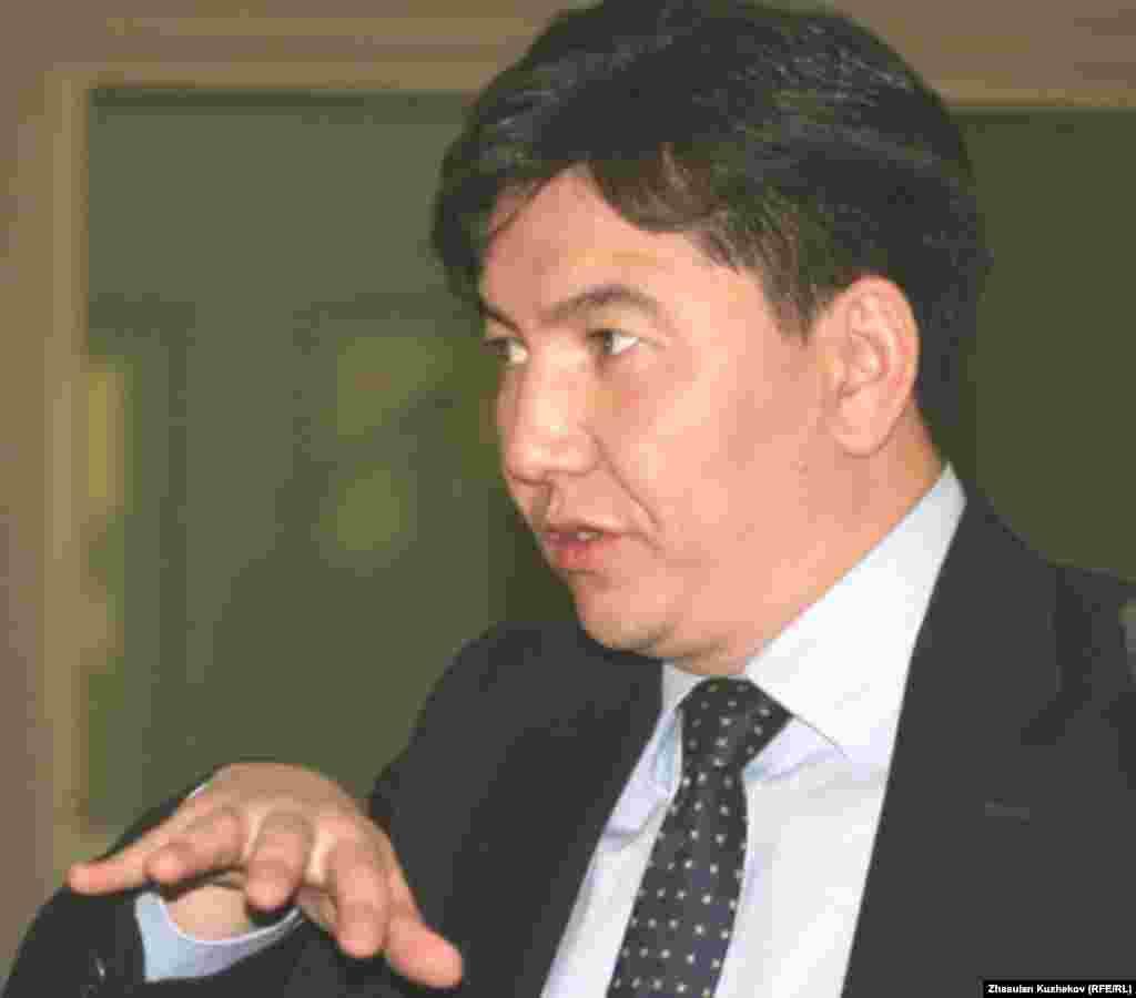 "Аслан Сәрінжіпов, ""Назарбаев университетінің"" президенті. Астана, 8 қазан 2010 жыл."