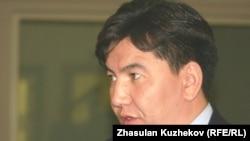 "Аслан Сәрінжіпов, ""Назарбаев университетінің"" президенті. Астана, 8 қазан 2010 жыл"