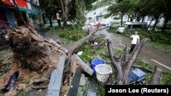 Prizor nakon udara tajfuna, Filipini, fotoarhiv