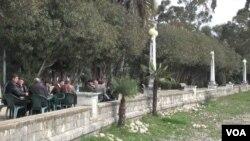 """Ряды сторонников действующей власти с уходом """"Единой Абхазии"""" в оппозицию ощутимо поредели – возросло число движений и партий, выступающих с резкой критикой правительства"""