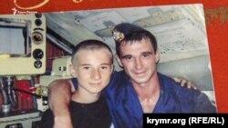 Роман Мокряк з молодшим братом