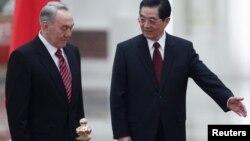 ҚХР (Қытай) төрағасы Ху Цзиньтао мен Қазақстан президенті Нұрсұлтан Назарбаев. Пекин, 22 ақпан 2011 жыл.
