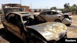 Pamje nga një sulm i mëparshëm vetëvrasës me makinë - bombë në Irak