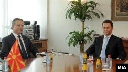 Средба меѓу поранешните премиери на Mакедонија , 7 септември 2011.