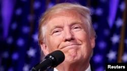 ԱՄՆ նախագահ ընտրված Դոնալդ Թրամփը ելույթ է ունենում իր աջակիցների առջև, Նյու Յորք, 9-ը նոյեմբերի, 2016թ․