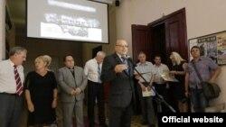 Андрей Мальгин открывает выставку