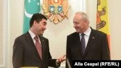 Gurbangulî Berdîmuhammedov şi Nicolae Timofti