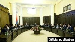 Armenia -- A cabinet meeting in Yerevan, December 12, 2019.