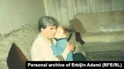 Adem Ademi sa sinom
