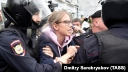 Задержание Любови Соболь 3 августа в Москве до начала протестных манифестаций