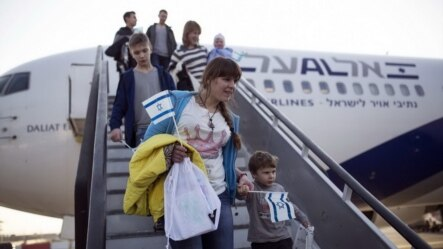 Nearly 5,000 Russians migrated to Israel in 2014