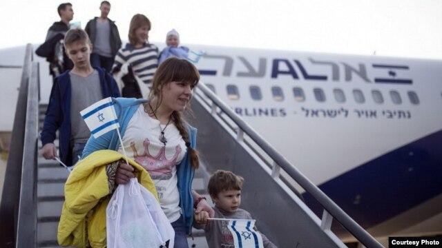 Россияне репатриируются в Израиль, совершая алию