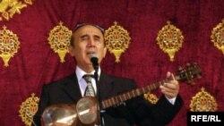 Хўжандлик мухлислар ҳофиз Шерали Жўраевнинг концертига кириш учун 45 долларни аямадилар.
