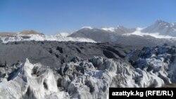 Архивное фото. Ледник на Кумторе