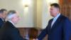 România: întâlnire Iohannis-Isărescu. Vine criza?
