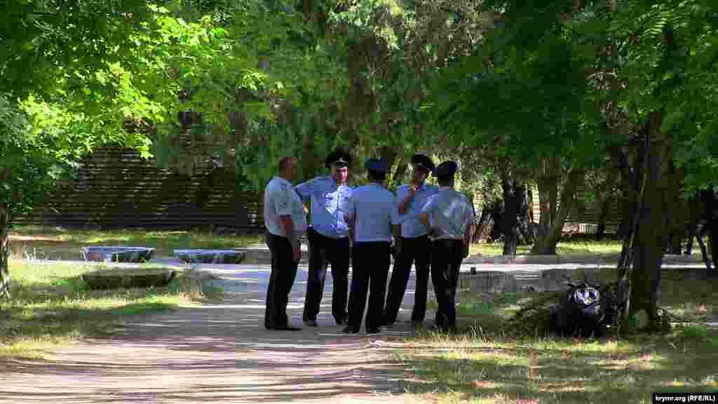 Поліцейський кордон у парку Шевченка, 24 серпня 2014 року