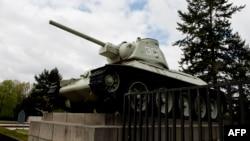 Советский танк у Бранденбургских ворот