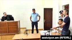 Դատավորը սանկցիաներ կիրառեց ամբաստանյալ Մովսիսյանի ու նրա փաստաբանի նկատմամբ