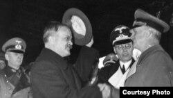 Министр иностранных дел СССР Вячеслав Молотов в Берлине, 1939 г.