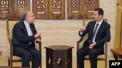 Башар аль-Асад (п) і Алі Акбар Салегі (л) на зустрічі в Дамаску 19 вересня 2012 року