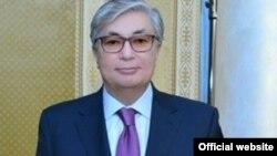 Қасым-Жомарт Тоқаев, сенат депутаты.