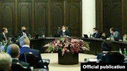 Заседание правительства, Армении, Ереван, 25 июня 2020 г.