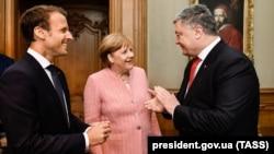 Макрон, Меркел ва Порошенко ҳангоми мулоқот дар Олмон. 10 май, 2018