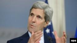 На снимке: госсекретарь США Джон Керри