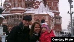 პოლინა ამერიკელ ოჯახთან ერთად