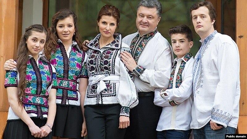 Порошенко порадив українцям фільм, книгу та пісню