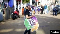 Сторонница либерализации абортов в Ирландии, Дублин, 25 мая 2018 года