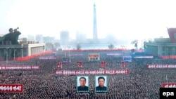 Единственая успешная отрасль северокорейской экономики - демонстрация несуществующих успехов