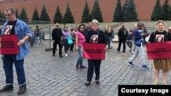 Правозащитники Александр Черкасов, Светлана Ганнушкина и журналистка Елена Милашина, 15 июля 2019 г.