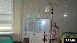Главный врач Лев Ачба считает, что пять приборов для гемодиализа - главное приобретение больницы