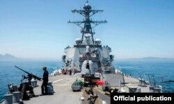 """Ракетный эсминец """"Портер"""". Один из двух кораблей, с которых были нанесены ракетные удары по сирийской военно-воздушной базе"""