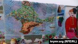 Экспозиция этнографического фестиваля в Севастополе 10 июня 2017 года