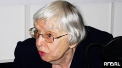 Председатель Московской Хельсинкской группы Людмила Алексеева считает, что российские граждане, не должны утратить гражданскую привычку ходить голосовать: когда-нибудь она им понадобится