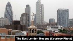 Одна из лондонских мечетей. 17 июля 2011 года.