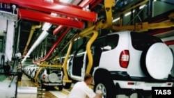 Рабочие Волжского автозавода говорят, что сегодня их благосостояние гораздо ниже, чем пять лет назад