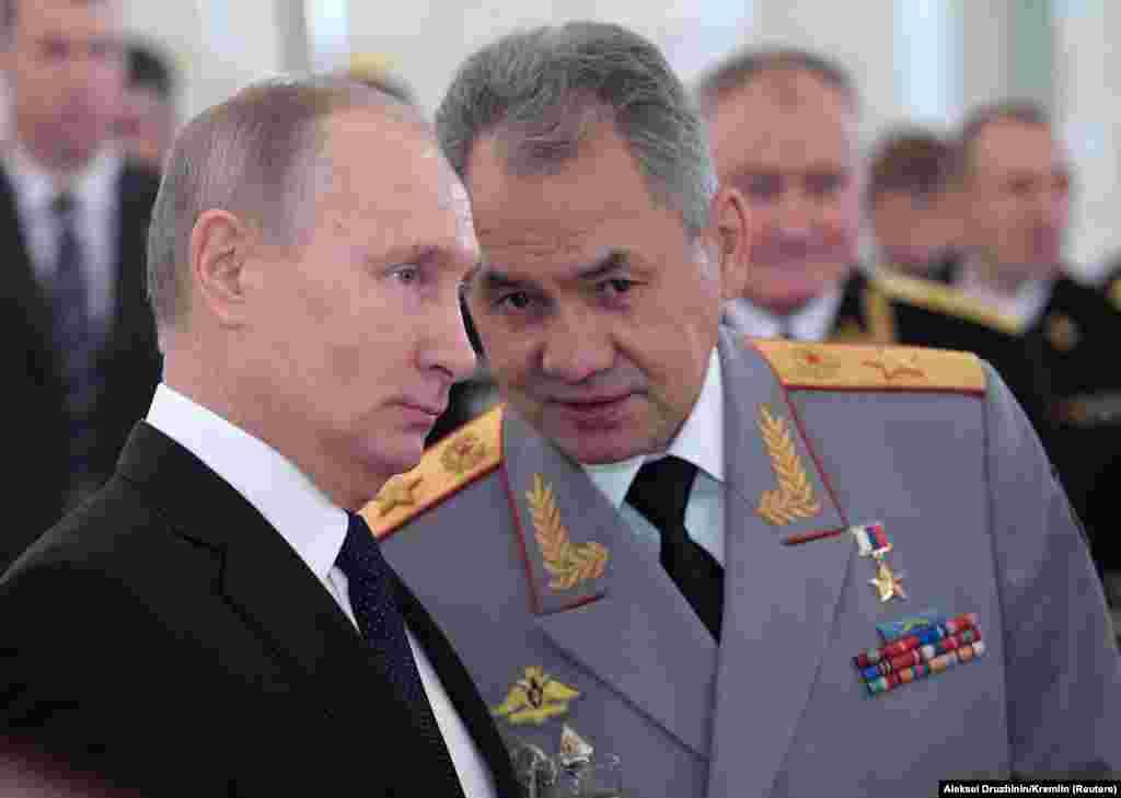 САД / РУСИЈА - Советникот за национална безбедност Херберт Рејмонд Мекмастер, изјави дека Соединетите држави мора да ја повлечат завесата на подмолното руско мешање во изборите и на други случаи на дестабилизирачкото однесување на Москва. Тој во интервју за Гласот на Америка вели дека сепак, Вашингтон сака да најде области за соработка со Москва.