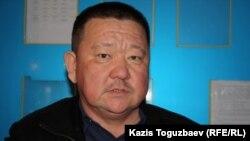 Алшынбай Ыбырай, отец полицейского, скончавшегося в январе 2011 года в Актау. Алматы, 2 апреля 2013 года.