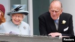 Mbretëresha Elizabeth dhe Princi Philip.