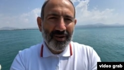 Nikol Pashinian Sevan (Göycə) gölündə