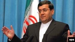 حسن قشقاوی، معاون کنسولی و پارلمانی وزارت خارجه ایران.