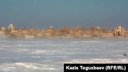 """""""Тенге әулие"""" зираттары. Жаңаөзен қаласының маңы. 15 ақпан 2012 жыл."""