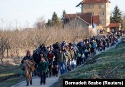Mađarska ministarka pravde Judit Varga je odbacila presudu (na fotografiji migranti na granici Srbije i Mađarske, februar 2020)