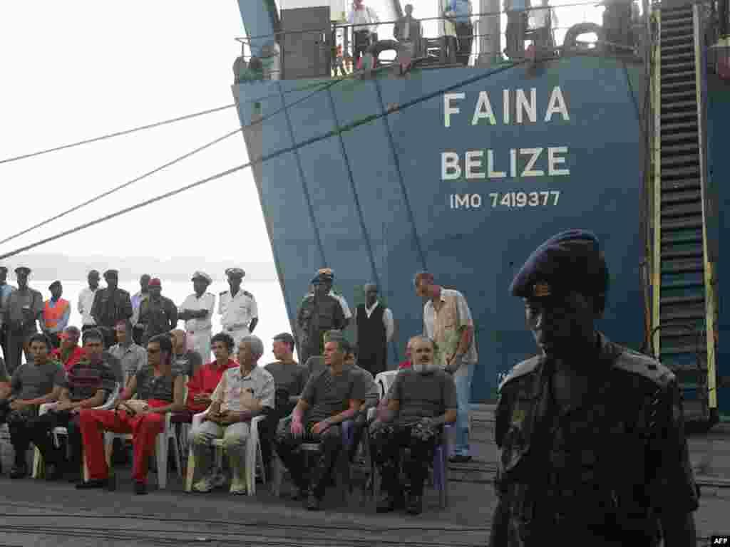 """Украинское судно """"Фаина"""" прибыло в кенийский порт Момбаса"""