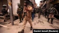 Индийские полицейские в Кашмире, 26 февраля 2019 года