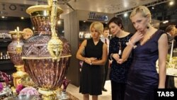 October 21-23: Moscow hosts the Millionaire Fair, an exhibition of luxury products.