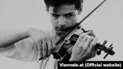 Тони Конрад извлекал из скрипки чудовищные звуки